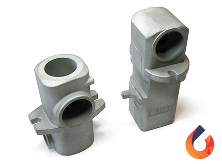 Spigot housing for a paint mixing machine